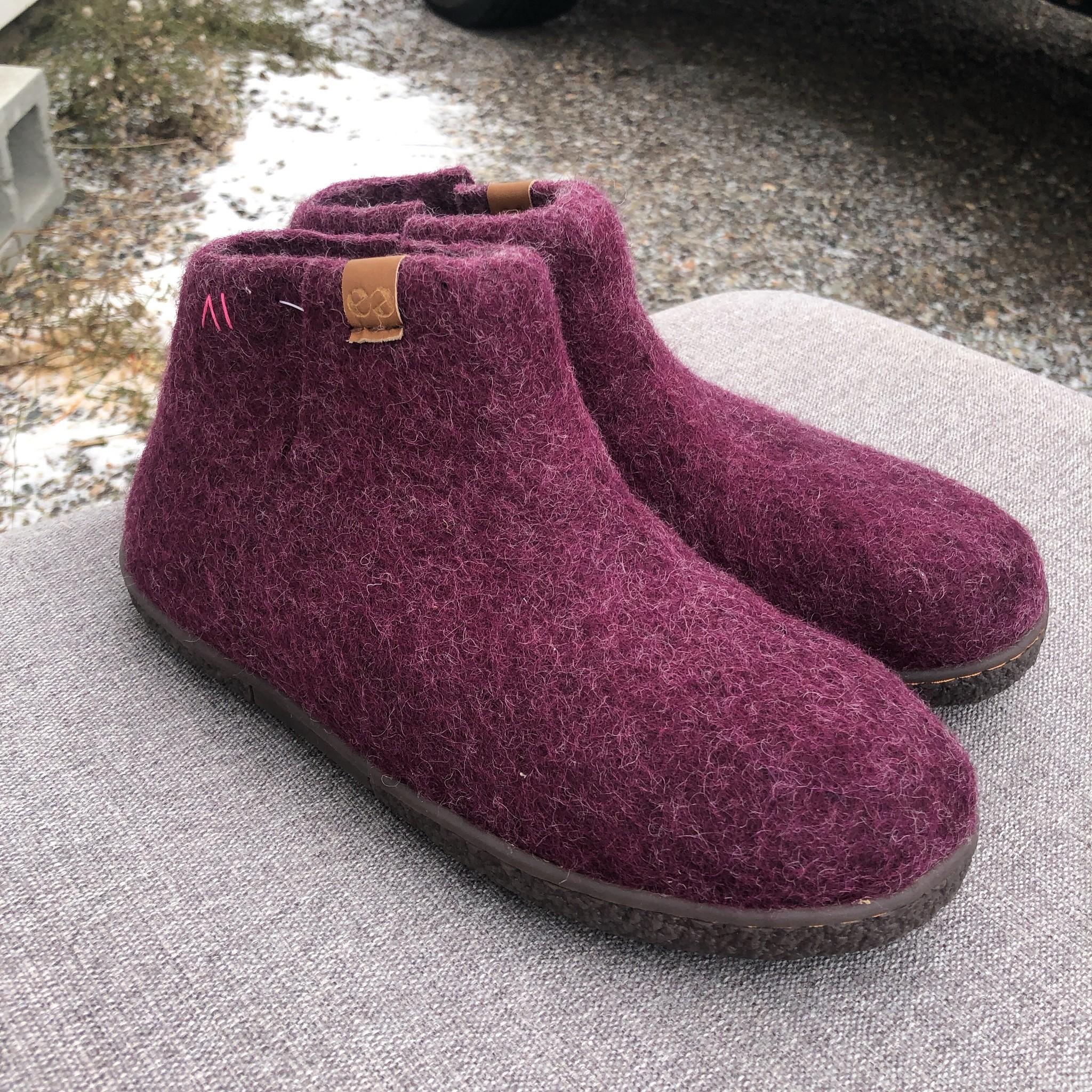 Nepal Slipper Bootie Purple