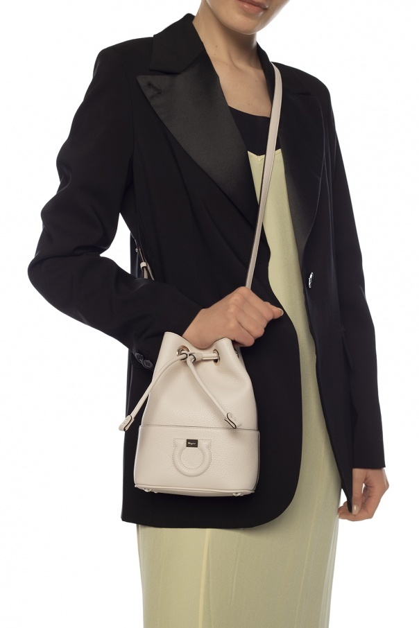SALVATORE FERRAGAMO SALVATORE FERRAGAMO - GANCINI BUCKET BAG - BONE - 729047