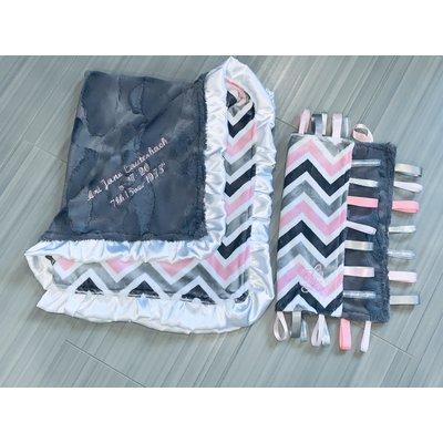 Lincoln&Lexi Light Pink/White/Gray Chevron Cuddle