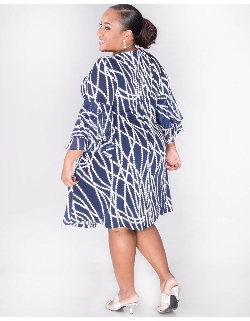 a709d9e6c59 ... Sandra Darren YAMINA- Plus Size Printed Dress with 3 4 Bell Sleeves