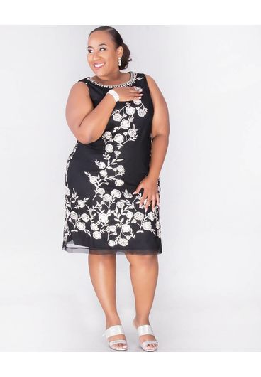 Sandra Darren MICAH - Plus Size Printed Dress with Pearl Necklace
