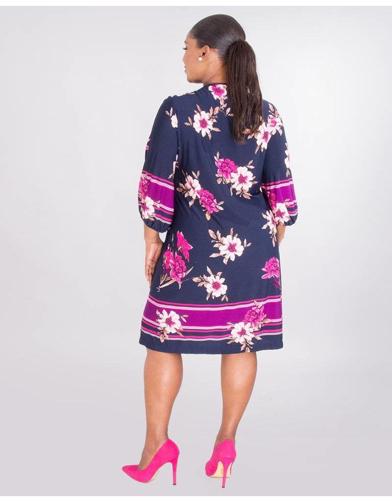 Sandra Darren IZARA- Plus Size Printed V-Neck Dress