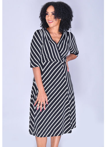 Signature YAFFA- Fit and Flare 3/4 Sleeve Dress