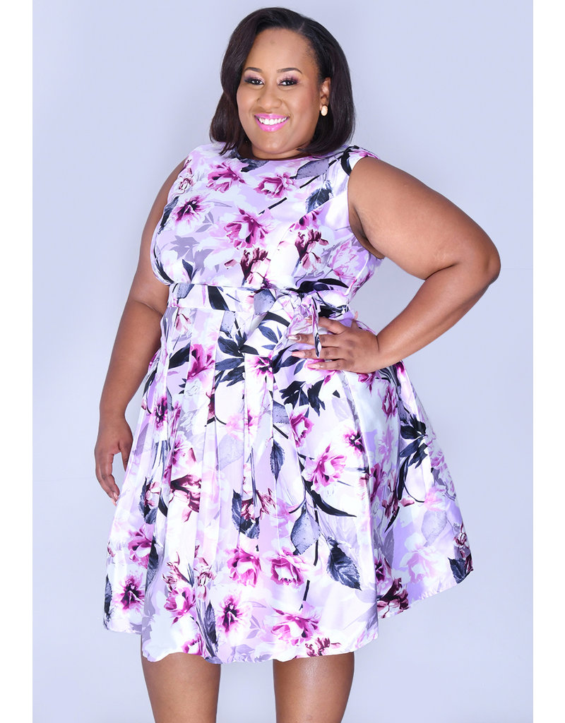 Shelby & Palmer HEATHER- Plus Size Printed Fit and flare Dress with Sash