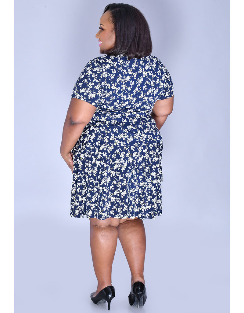 Signature INGU- Plus Size Printed Ruffle Dress