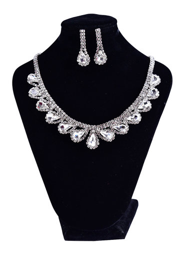 Round Neck Set with Tear Drop Rhinestone