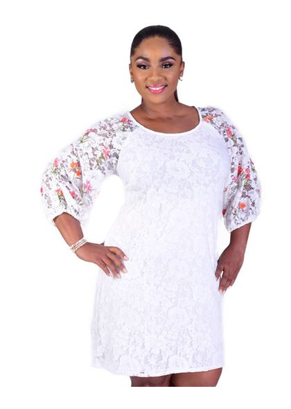 LYNN- Plus Size  Lace Dress With Printed 3/4 Sleeves