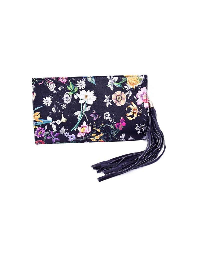 Bag-rounded designer chic clutch