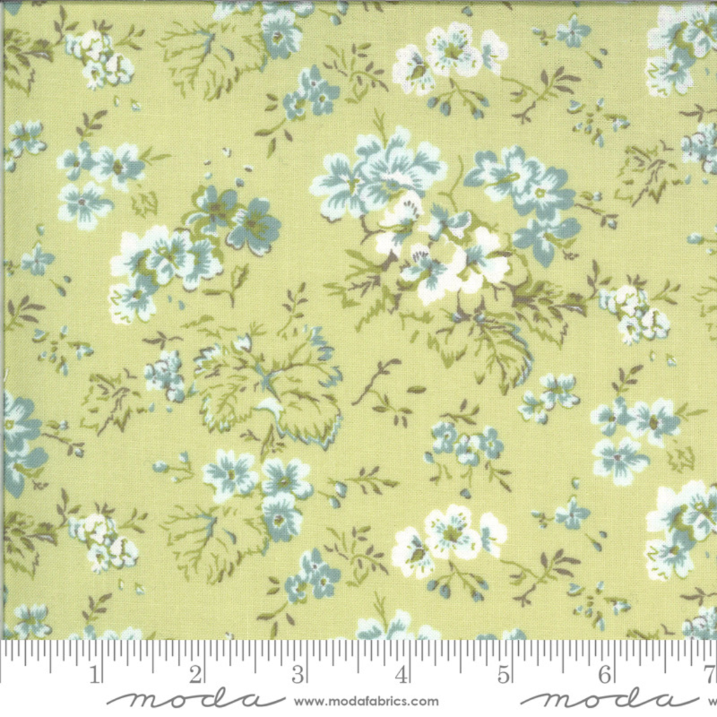 Moda Dover Field Floral Willow- 18700 16 Light Green