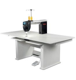 Bernina Q20 with Table