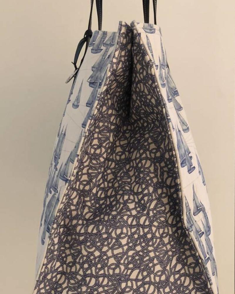 PRINTED CANVAS BEACH BAG: BOAT: BLUE