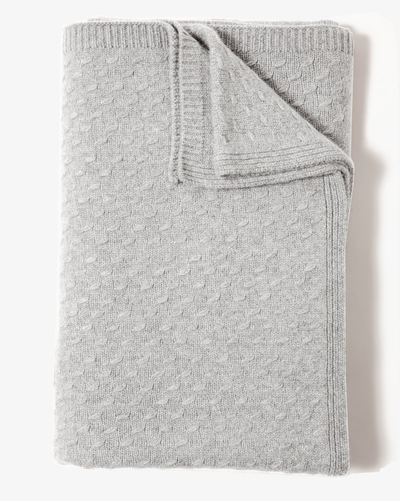 "FILETTO: 100% CASHMERE THROW: 52"" X 74"":PEARL"