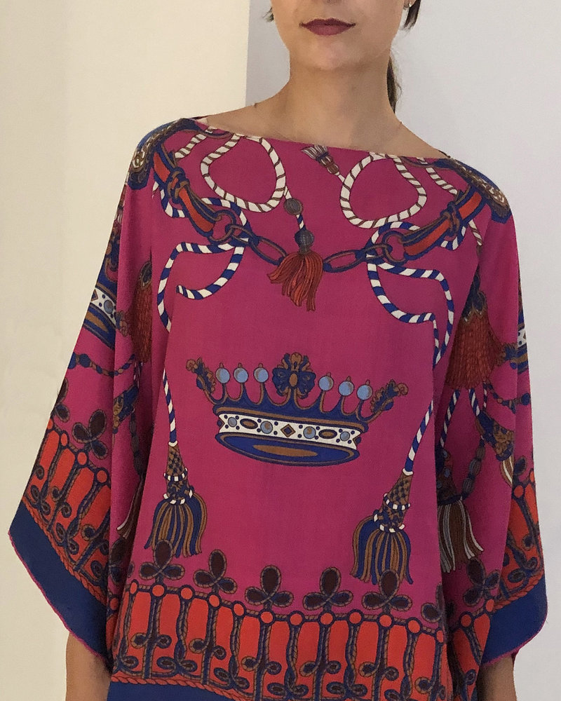 PRINTED CASHMERE PONCHO: CROWN: RASPBERRY