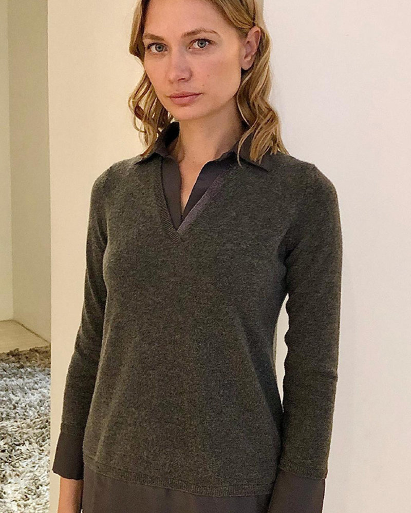 CASHMERE POLO SWEATER WITH SILK COLLAR DETAILS: ANTHRACITE