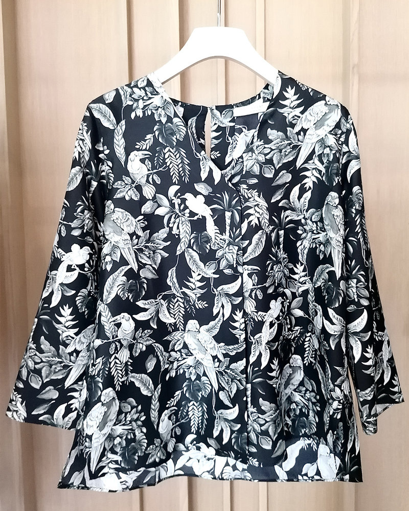 V-NECK SILK PRINTED BLOUSE: BIRD-BLACK