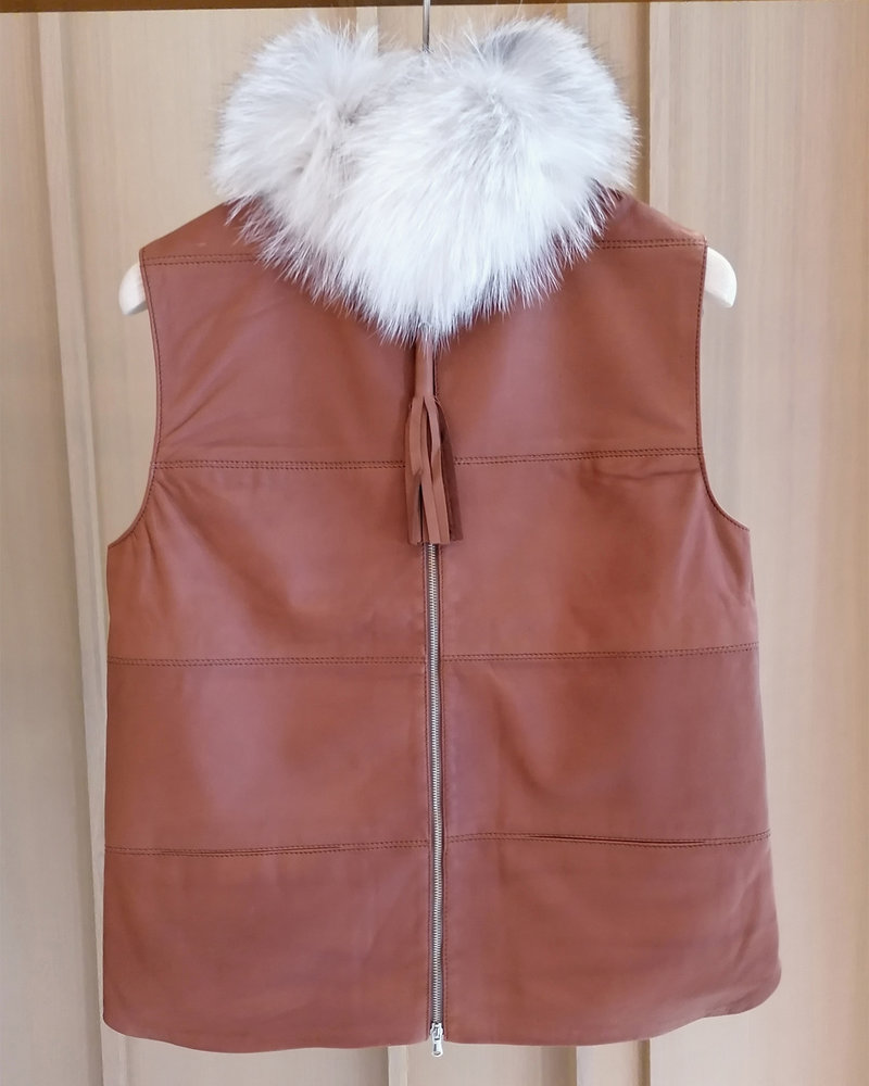 LEATHER VEST WITH FOX COLLAR AND CASHMERE BACK: TABACCO