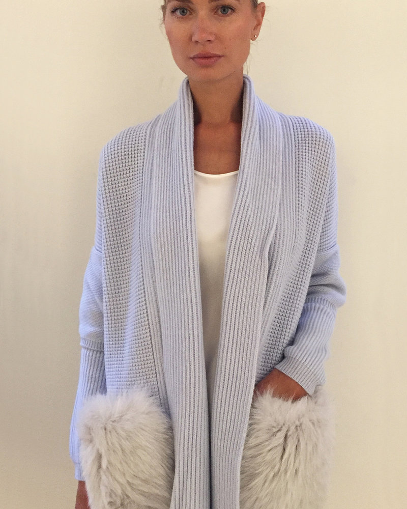 KNIT CASHMERE COAT WITH FOX POCKETS: LIGHT BLUE