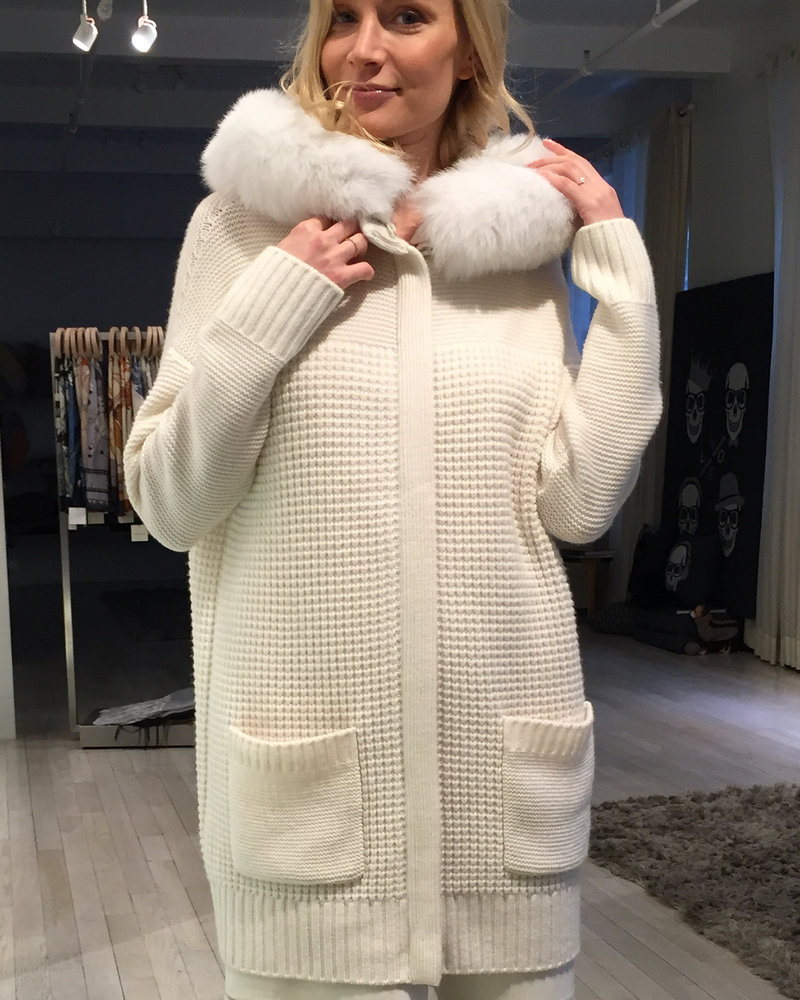 KNIT CASHMERE COAT WITH FOX TRIM HOOD: IVORY