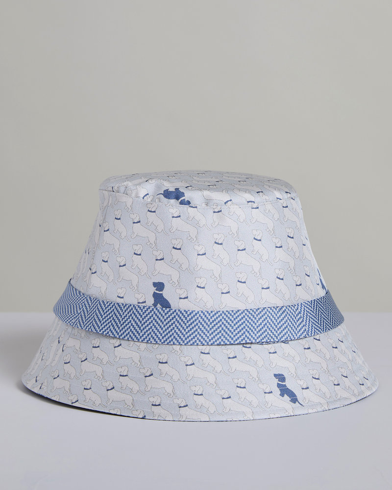 PRINTED SILK BUCKET HAT: BASSETS: LIGHT BLUE