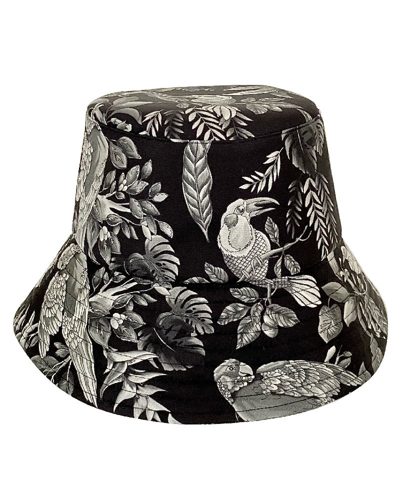 PRINTED SILK BUCKET HAT: BIRD: BLACK