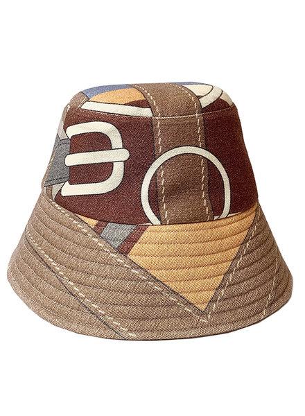 PRINTED CANVAS HAT: SADDLE BEIGE