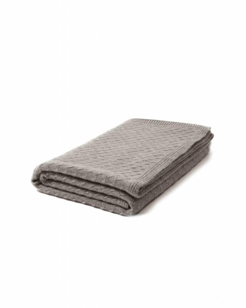 "FILETTO: 100% CASHMERE THROW: 52"" X 74"":  GRAY"