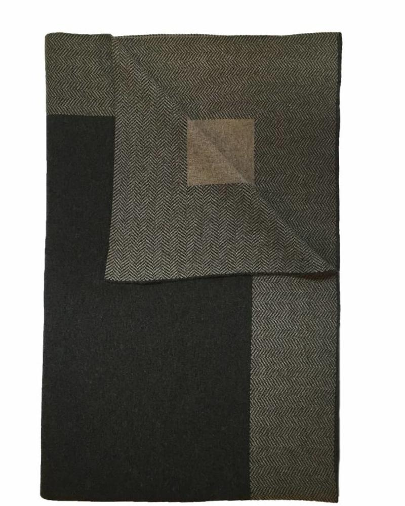 "CASHMERE DARIEN THROW: 52"" X 72"": ANTHRACITE-BEIGE"