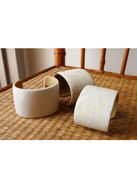 Creamy Horn Flat Cuff