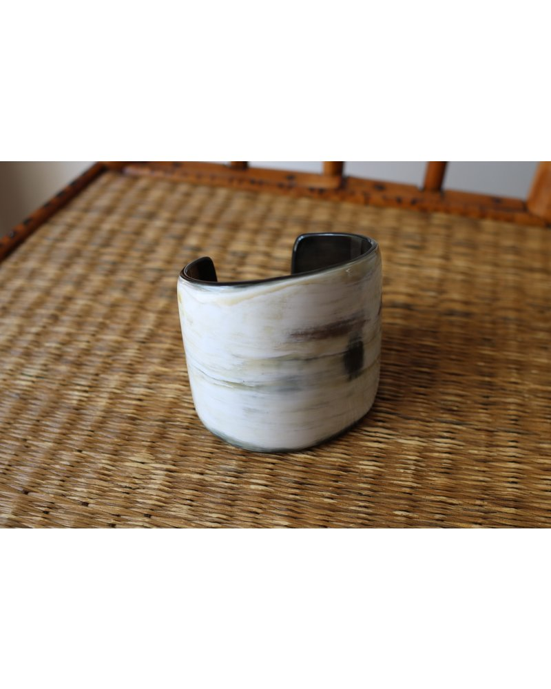 Black Creamy Horn Tapered Cuff