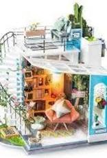 ROBOTIME Dora's Loft - DIY Miniature