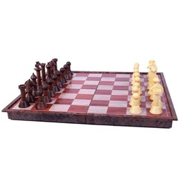 Woody Magnetic Chess Set