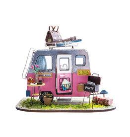 Happy Camper - DIY Model
