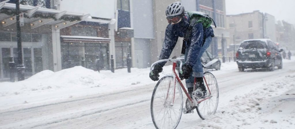 Winter Fitness: Bike Trainer, Spin Class, or Stationary Bike?