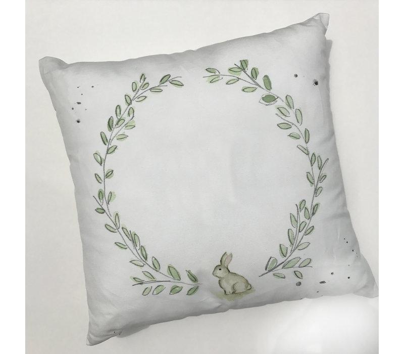 "17"" Laurel Wreath with Bunny Pillow"