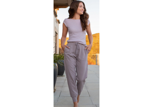 Barefoot Dreams Barefoot Dreams Malibu Collection Brushed Jersey Jogger in Beach Rock