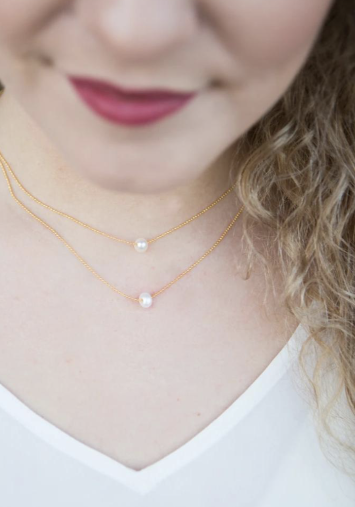 Lily Necklace - Pearl