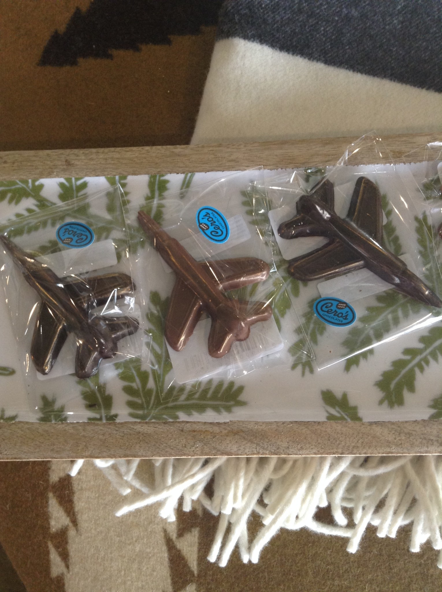 Cero's Candies Dark Chocolate Airplane