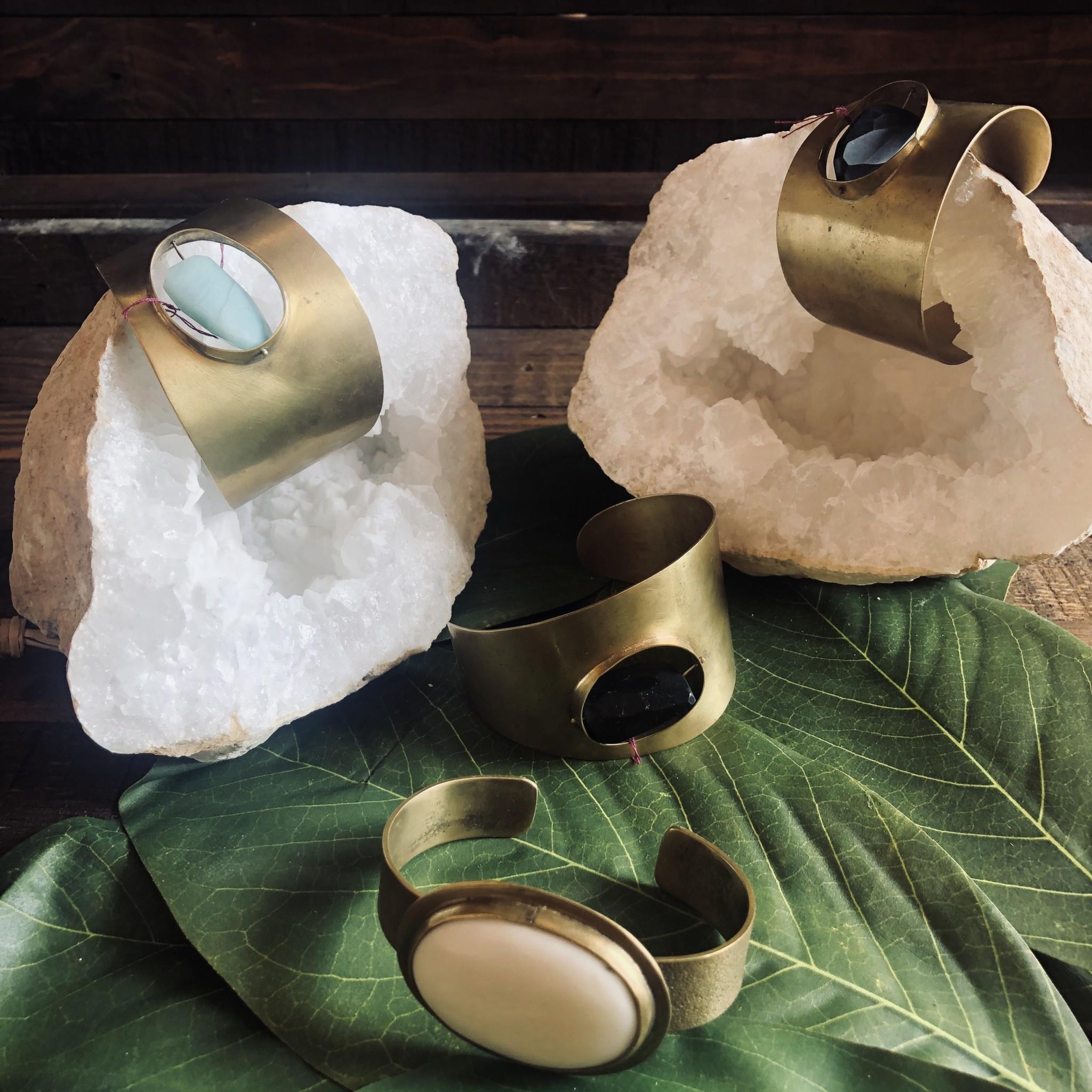 HomArt Bezel Brass Cuff - Bone