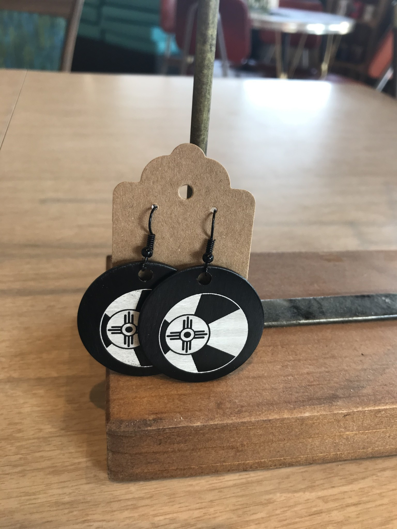 ICTMakers Black Metal Flag Earrings