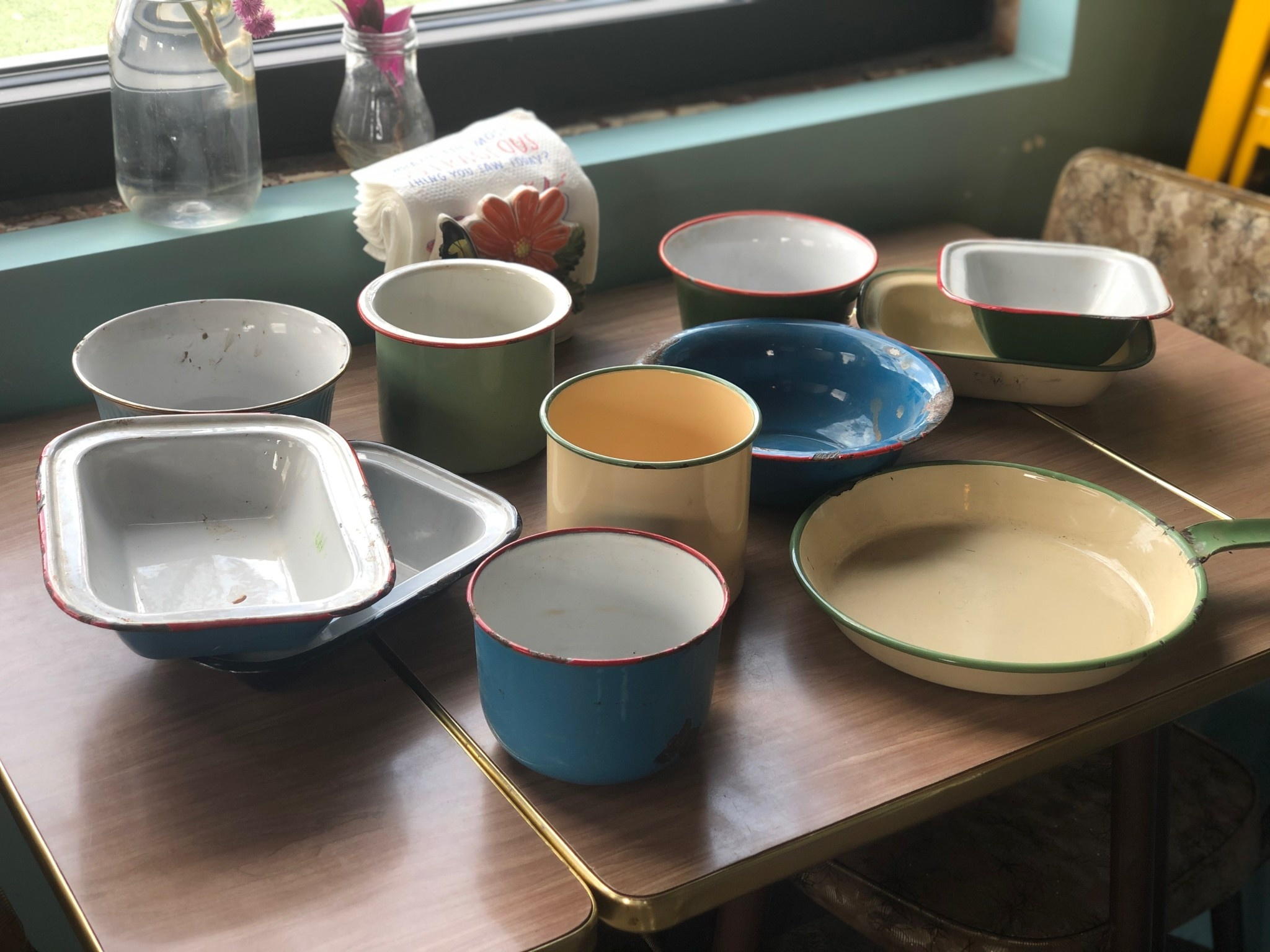 Creativeco-op Assorted Vintage Tableware