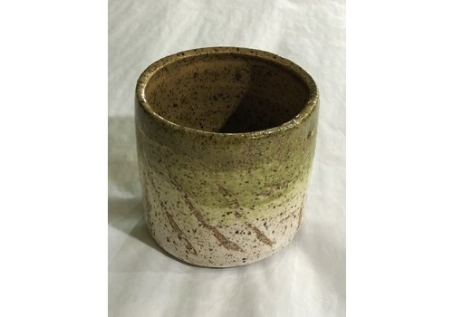 High Noon Pottery Avo Juice Cup Olive/Vanilla