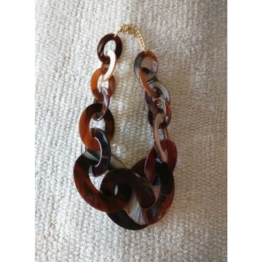 Tortoise Shell Circle Necklace