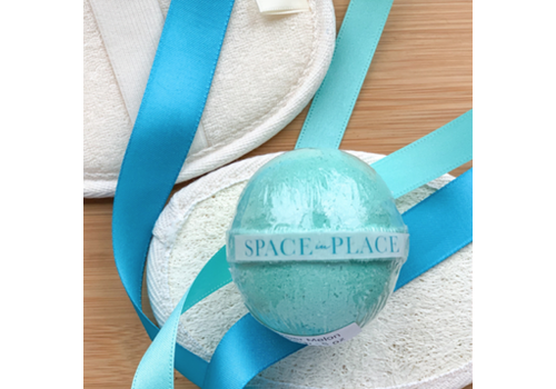 Space in Place Bath Bomb