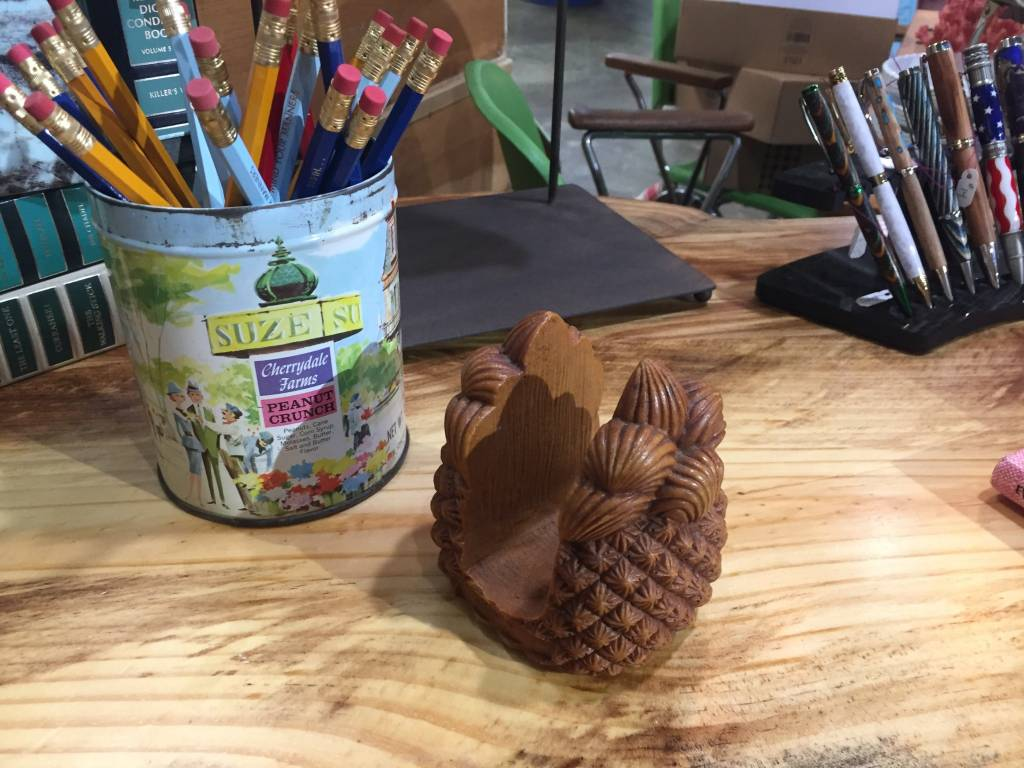 Vintage Vintage Wooden Pineapple Letter Holder