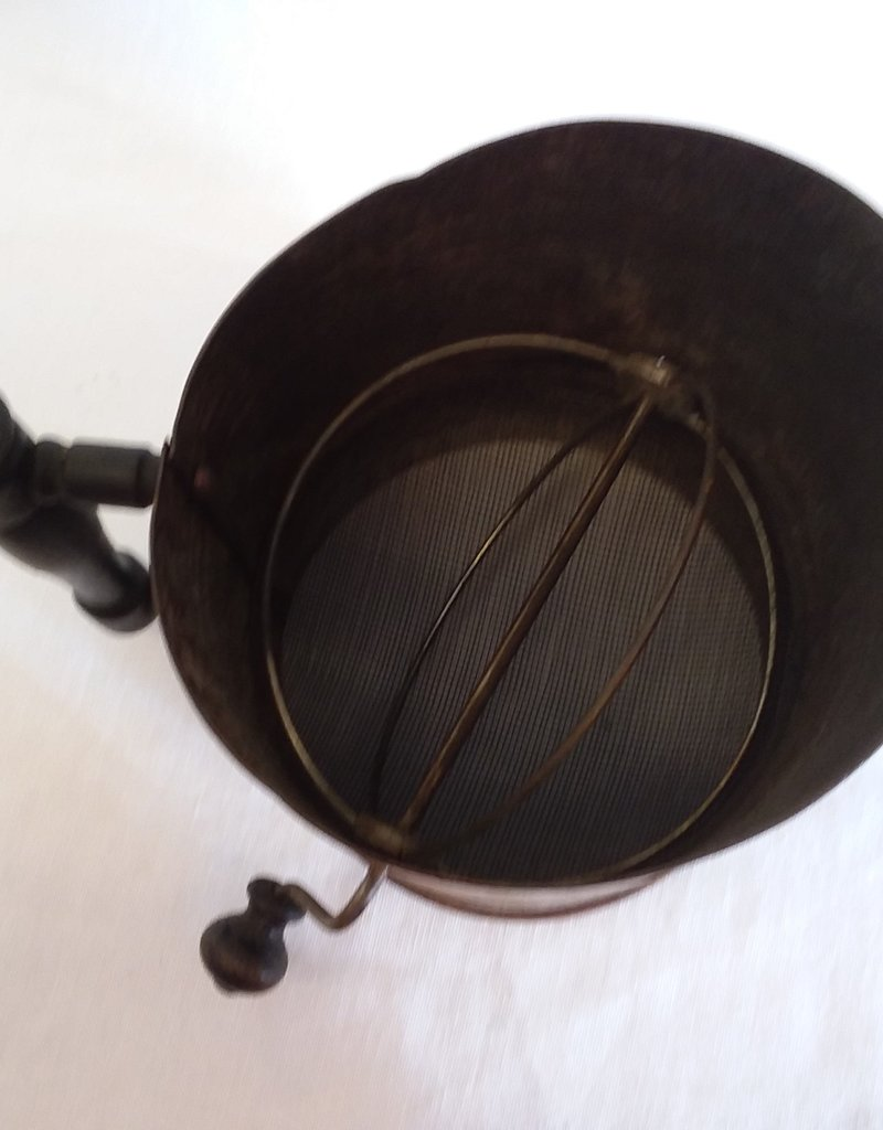 Favorite Flour Sifter, 6 Cup, C.1930