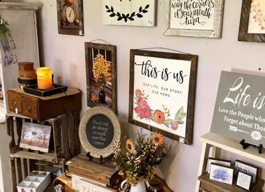 Signs, Stars, Plates & Wall Decor