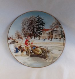 """A Surprise Visit"" Collectible Plate, 8.5"", 1992"