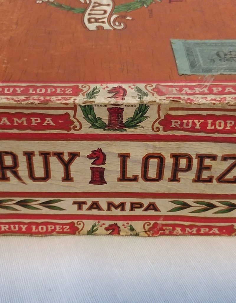 Ruy Lopez King Coronas Cigar Box