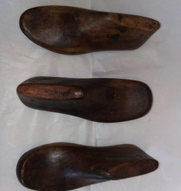 "Adult Wood Shoe Mold, 10-11"" long, E.1900's"