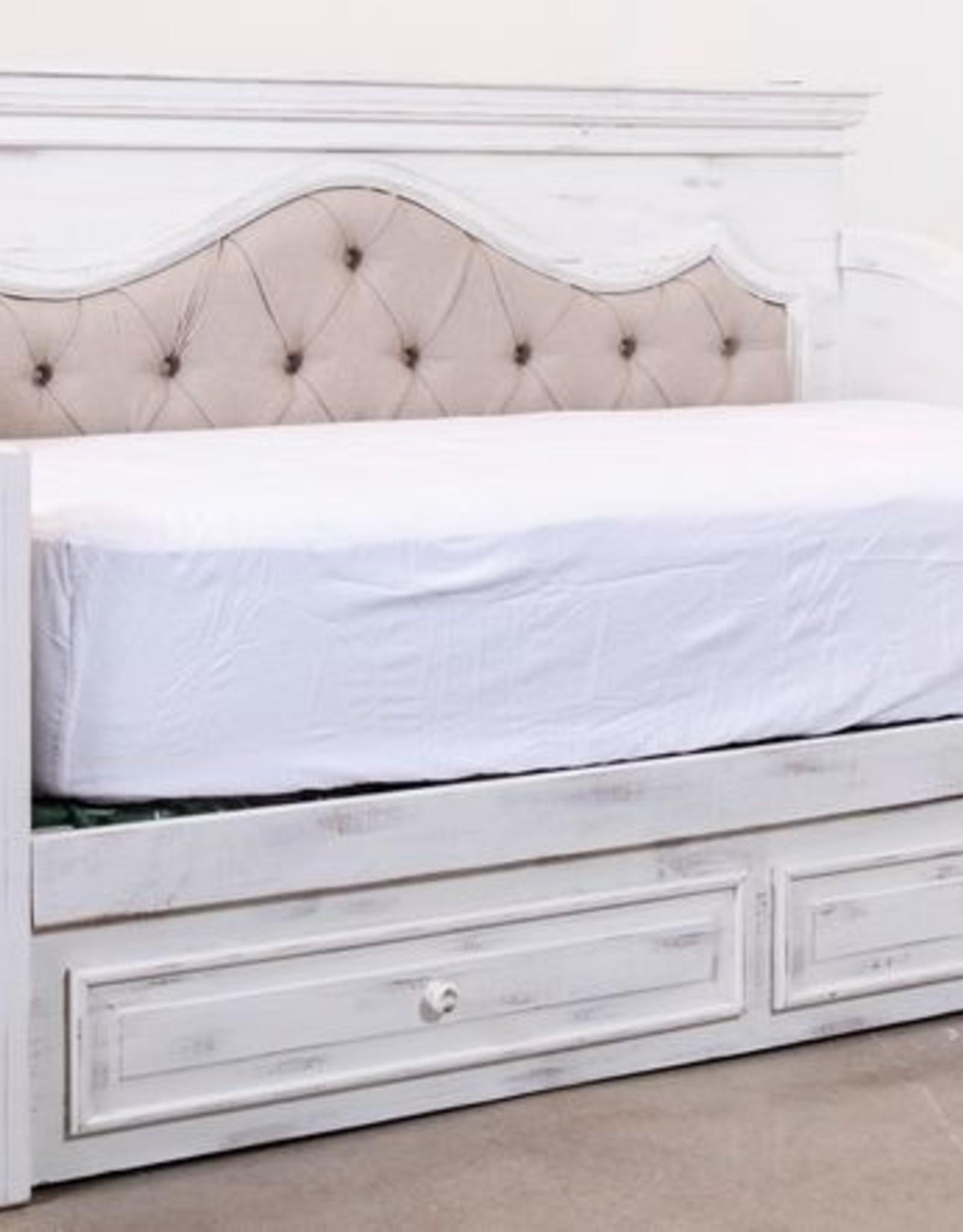 Vintage Furniture LLC Chalet Padded Daybed